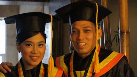 Berikut ini ada 5 pebulutangkis profesional Indonesia yang bergelar sarjana alias tak melupakan dunia pendidikan dalam berkarier. - INDOSPORT