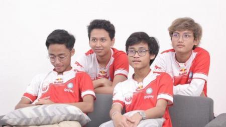 Dua pro player Esports PUBG Mobile terbaik, Zuxxy dan Luxxy dari tim Bigetron Red Aliens mendapatkan ucapan selamat ulang tahun dari Bagus Kahfi dan Bagas Kaffa. - INDOSPORT