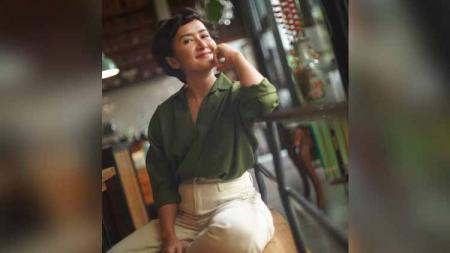 Penyanyi serta istri dari Dwi Suseno, Widi Mulia Sunarya tak hanya pandai dalam bidang tarik suara tetapi gemar pula menjaga kebugaran tubuh. - INDOSPORT