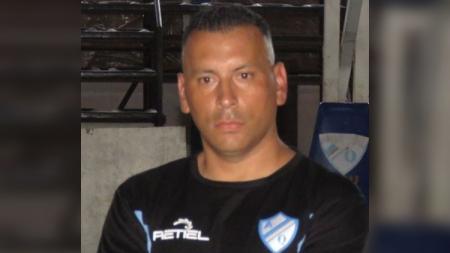 Pelatih sepak bola asal Argentina, Carlos Alberto Gomez. - INDOSPORT