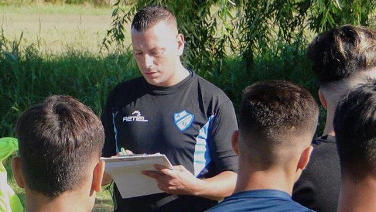 Pelatih sepak bola asal Argentina, Carlos Alberto Gomez. Copyright: Dok Pribadi