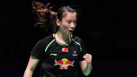 Aksi selebrasi pebulutangkis cantik asal China, Huang Yaqiong di lapangan pada Piala Sudirman. - INDOSPORT