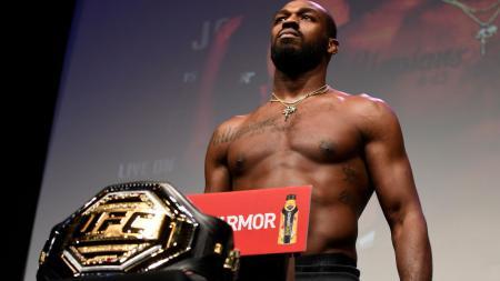 Petarung MMA, Jon Jones langsung murka dan mengecam keputusan UFC lantaran memberikan gelar status petarung terbaik kepada Khabib Nurmagomedov - INDOSPORT
