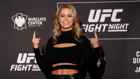 Dua petarung MMA wanita, Rose Namajunas dan Paige VanZant akan tampil di ajang UFC 251, namun ternyata VanZant pernah dibuat bonyok wajahnya oleh Namajunas - INDOSPORT