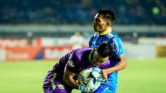 Indosport - Jersey PSIS yang digunakan Joko Ribowo ketika melawan Persib dilelang untuk membantu pengobatan Ibunda Riyan Ardiyansyah.