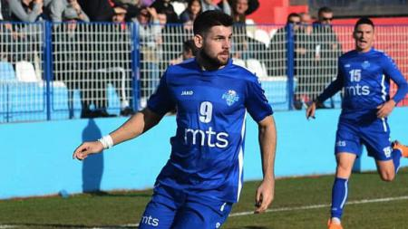 Milan Makaric, pengganti wonderkid Indonesia Witan Sulaeman saat starter 45 menit bersama FK Radnik Surdulica. - INDOSPORT