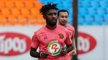 Liga Thailand 2020 kembali bergulir setelah libur panjang karena pandemi virus corona, Yanto Basna malah gagal bawa PT Prachuap FC menang. - INDOSPORT