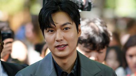Aktor Korea Selatan, Lee Min Ho, yang pernah bermimpi sebagai pesepakbola. - INDOSPORT