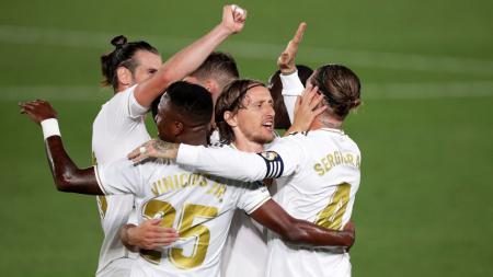 Sergio Ramos rayakan gol yang ia cetak bersama rekan-rekannya di laga Real Madrid vs Real Mallorca - INDOSPORT