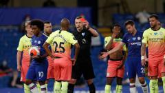 Indosport - Hasil pertandingan Liga Inggris Chelsea vs Manchester City memperlihatkan kemenangan untuk The Blues, yang sekaligus membantu Liverpool memastikan gelar juara.