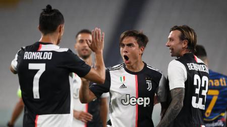 Cristiano Ronaldo, Paulo Dybala, Federico Bernardeschi merayakan gol pada pertandingan Serie A antara Juventus vs Lecce, Sabtu (27/06/20) dini hari WIB. - INDOSPORT