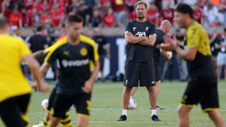 Pelatih Liverpool, Jurgen Klopp, saat melihat skuat Borussia Dortmund berlatih - INDOSPORT