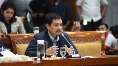 Indosport - Yoyok Sukawi, anggota DPR sekaligus pimpinan PSIS Semarang.