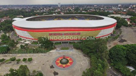 Stadion Manahan yang telah merampungkan proses renovasinya beberapa waktu lalu, menelan anggaran hingga Rp300 miliar.