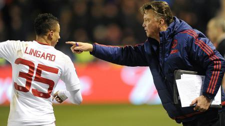 Louis van Gaal sejatinya bisa membuat raksasa Liga Inggris, Manchester United menjadi tim yang mengerikan, ini alasannya. - INDOSPORT