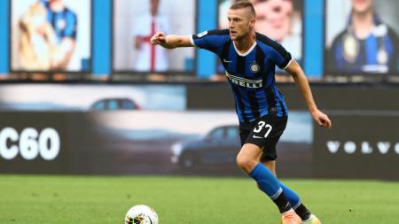 Milan Skriniar, bek Inter Milan yang diincar Manchester City - INDOSPORT