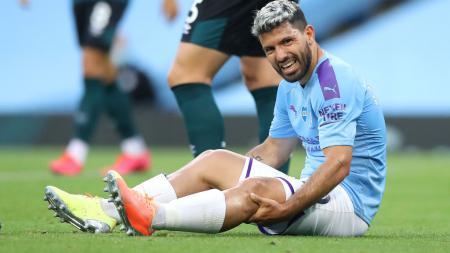 Masa depan dua pemain klub Liga Inggris Manchester City, Sergio Aguero dan Fernandinho, sampai saat ini masih belum jelas menurut Pep Guardiola. - INDOSPORT