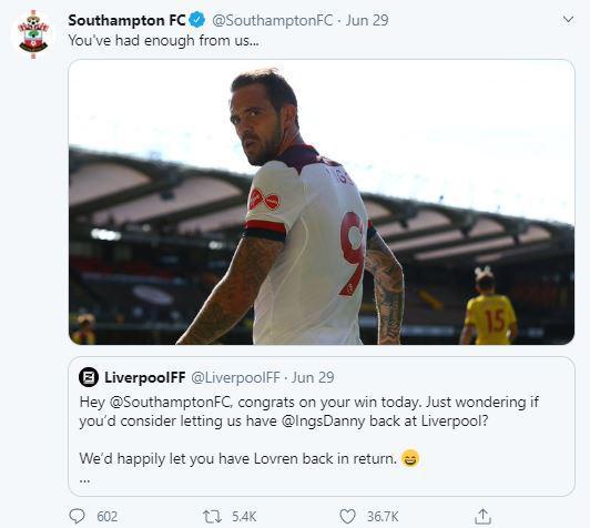 Southampton menyaut kabar Danny Ings diminta kembali ke Liverpool. Copyright: Twitter @SouthamptonFC