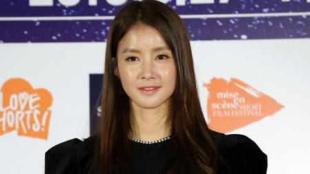 Aktris yang juga petinju asal Korea Selatan, Lee Si Young. - INDOSPORT