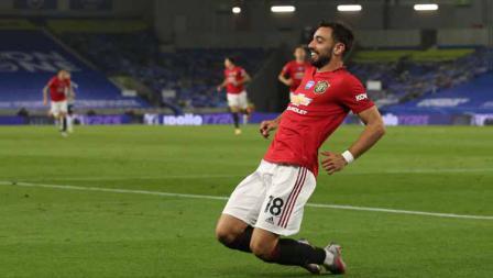 Selebrasi Bruno Fernandes usai mencetak gol dan menjadi bintang di laga Brighton vs Manchester United.