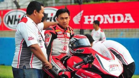 Rider nasional penyandang gelar runner up Asian Road Racing Championship (ARRC), Awhin Sanjaya kini banting stir menjadi pro player PUBG. - INDOSPORT