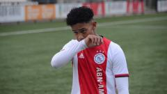 Indosport - Muncul lagi pemain belia keturunan yang suatu saat nanti mungkin bisa diandalkan Timnas Indonesia, yakni penyerang milik akademi Ajax Amsterdam, Noah Gesser.