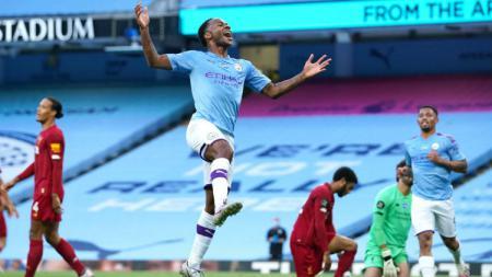 Penggawa Manchester City, Raheem Sterling menjanjikan kepada klubnya untuk meraih gelar juara Piala FA dan juga Liga Champions musim ini. - INDOSPORT
