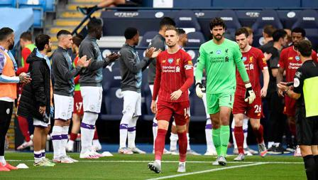 Sebelum pertandingan, Liverpool mendapat Guard of Honor dari para pemain Manchester City setelah di pekan sebelumnya memastikan diri sebagai juara Liga Inggris 2019/20.