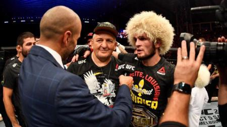 Berikut ini para petarung Ultimate Fighting Championship (UFC) yang turut berkabung ke ayah Khabib Nrumagomedov yang wafat, Jumat (03/07/20). - INDOSPORT