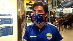 Indosport - Gelandang klub Liga 1 2020 Persib Bandung, Kim Jeffrey Kurniawan, mengaku beberapa bisnis yang dirintisnya terkena dampak dari pandemi corona atau covid-19.
