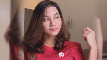 Bek Cantik Timnas Indonesia Jadi 'Duta' Kampanye Prokes PSSI