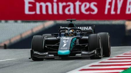 Hasil balapan Formula 2 (F2) 2020 Austria membuat Sean Gelael Gagal Finis setelah alami masalah pada mesin mobil andalannya. - INDOSPORT