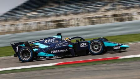 Sean Gelael meminta maaf karena meraih hasil kurang memuaskan di babak Kualifikasi Formula 2 (F2) di Sirkuit Barcelona, Spanyol. - INDOSPORT