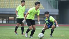 Indosport - TC hari pertama Timnas Indonesia U-16 di Stadion Patriot, Bekasi.