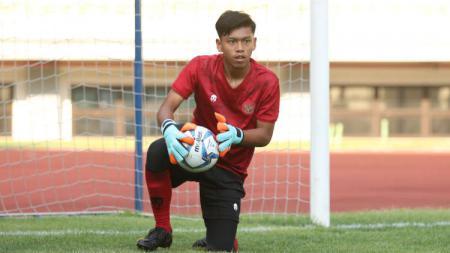 Kiper Timnas U-16 asal klub PSS Sleman, Raka Octa Bernanda. - INDOSPORT