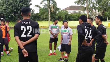 Tiba di Medan, Philep Hansen langsung pimpinan latihan PSMS di Stadion Kebun Bunga, Senin (6/7/20) petang. - INDOSPORT
