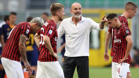 Tak cuma andalkan magis Stefano Pioli, AC Milan dapat mukjizat jelang laga Serie A Liga Italia lawan AS Roma. - INDOSPORT