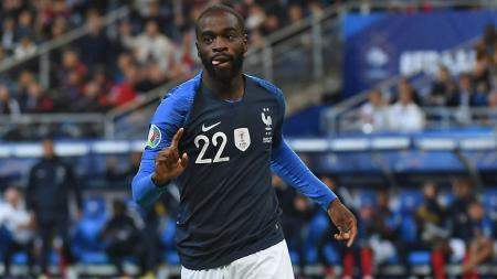 Chelsea dikabarkan telah melakukan pembicaraan dengan Lille untuk memboyong Jonathan Ikone. - INDOSPORT