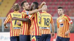 Indosport - Lecce selebrasi di laga Serie A Italia melawan Lazio.