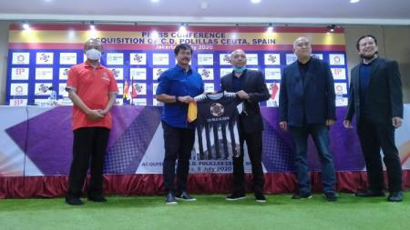 Batavia Sport Group (BSG) resmi mengambil alih kepemilikan salah satu klub sepak bola Spanyol, yakni klub Divisi 4 Spanyol, C.D. Polillas Ceuta. - INDOSPORT