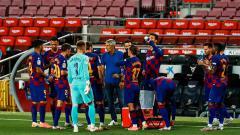 Indosport - Ketika kondisi kubu raksasa LaLiga Spanyol, Barcelona, mulai membaik, masalah baru malah muncul. Quique Setien, musuh besar Lionel Messi bawa masalah pelanggaran kontrak ke jalur hukum.