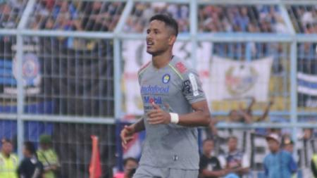 Striker Persib Bandung asal Brasil, Wander Luiz. - INDOSPORT