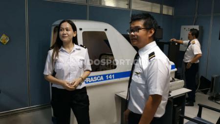 Wilson Tirta (kiri) dan Luxie Diandra, anggota Surabaya Aero Club. - INDOSPORT