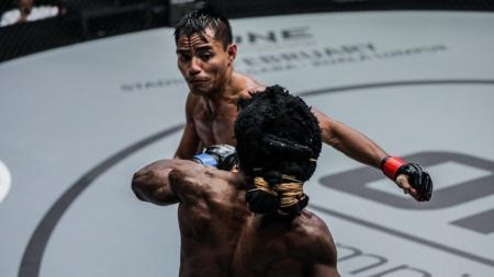 Stefer 'The Lion' Rahardian, atlet MMA andalan Indonesia yang juga merupakan pemegang sabuk coklat Brazilian Jiu-Jitsu - INDOSPORT