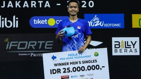 Ini kata media Malaysia soal keberhasilan pebulutangkis Anthony Sinisuka Ginting menjuarai kejuaraan Mola TV PBSI Home Tournament, Jumat (10/07/20) di Pelatnas. - INDOSPORT