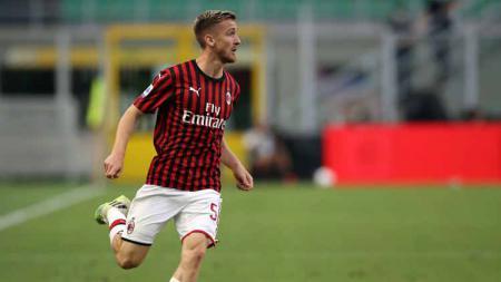 Alexis Saelemaekers sudah mulai menunjukkan kemampuannya sejak didatangkan AC Milan pada bursa transfer musim dingin lalu dengan tampil apik di 3 laga Serie A. - INDOSPORT