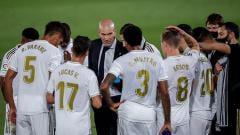 Indosport - Real Madrid sial berganda ketika akan lakoni laga LaLiga Spanyol lanjutan kontra Getafe. Zinedine Zidane pun hanya bisa pasrah.