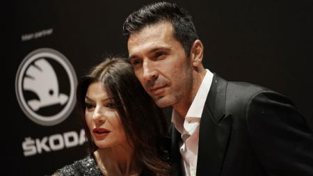 Ilaria D'amico bersama suaminya, Gianluigi Buffon - INDOSPORT