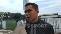 Indosport - Gelandang Persib, Erwin Ramdani di Lapangan Lodaya, Kota Bandung, Senin (13/07/20).