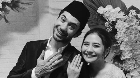 Reza Rahadian dan Prilly Latuconsina. - INDOSPORT